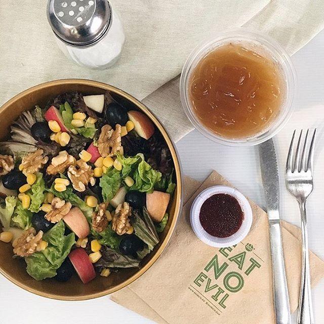 MUNCH Roasts & Salads