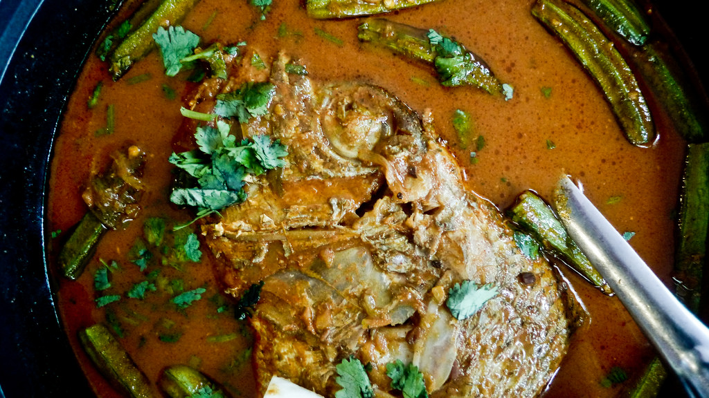 curry fish head spicy pot sharing Indian Chinese Singapore cuisine