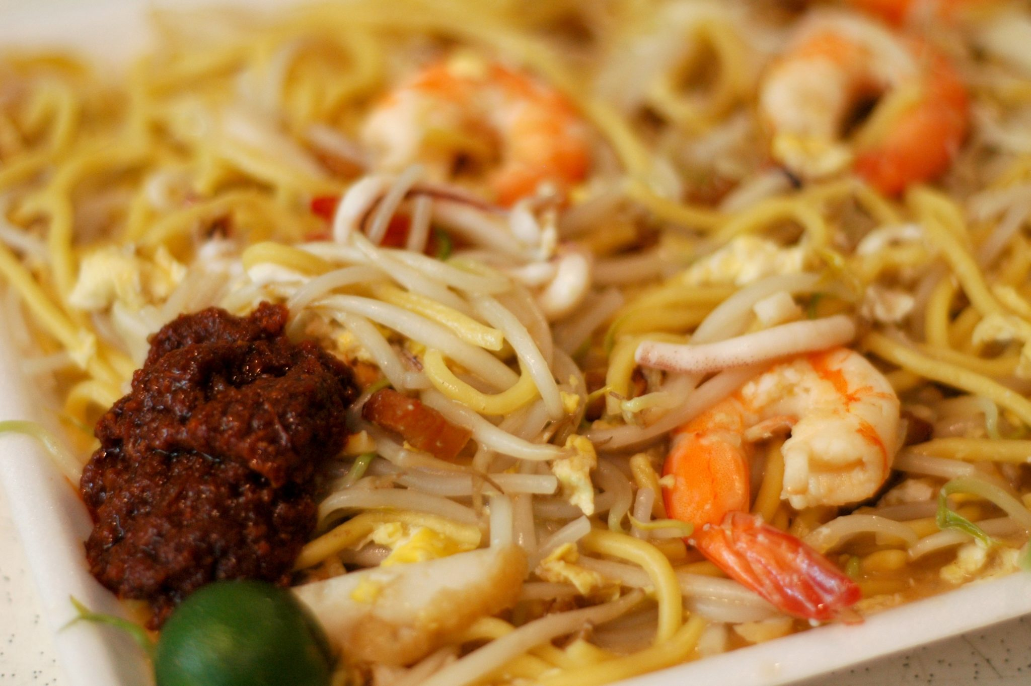 fried hokkien prawn mee yellow white noodles singapore hawker food