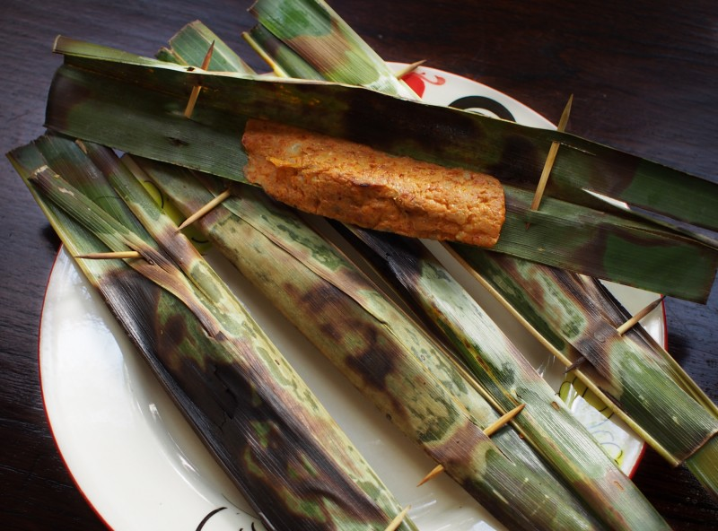 otah otak otak banana leaf fish paste orange red fish cake singapore malaysia traditional street hawker food