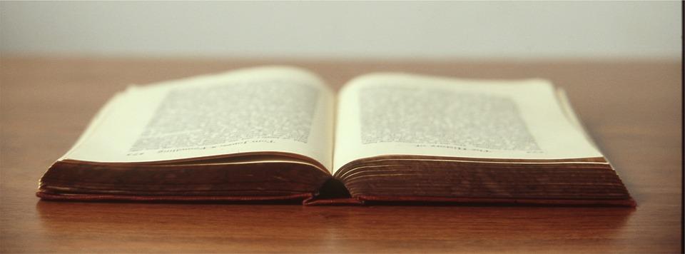 book-692575_960_720[1]