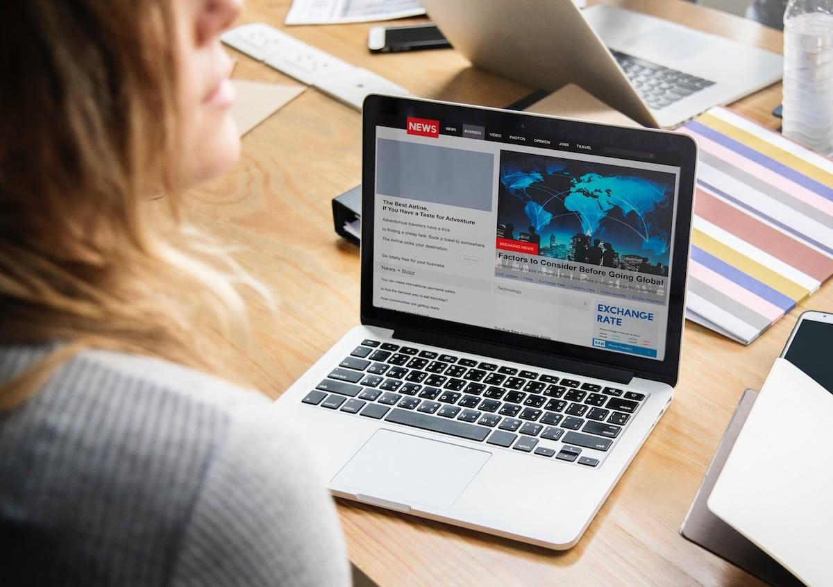 Image result for 3 Tips Menjaga Laptop Yang Benar