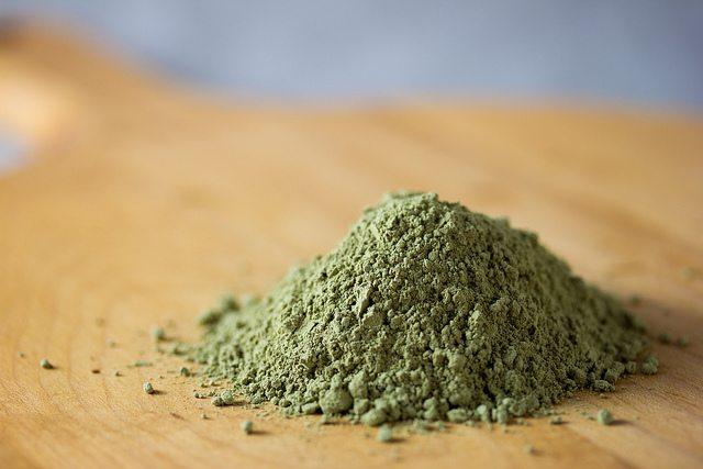 cara menghilangkan bekas jerawat dengan teh hijau