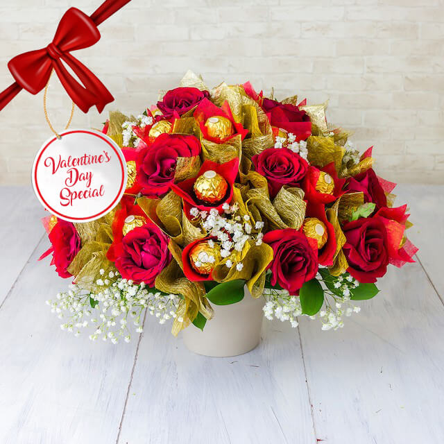 Vday - Lovalate 16 pcs Ferrero Rocher, Red Roses with Baby's Breath and fillers in vase IDR 1.200.000