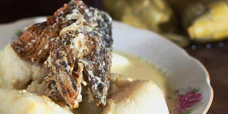 makanan khas kalimantan Ketupat Kandangan