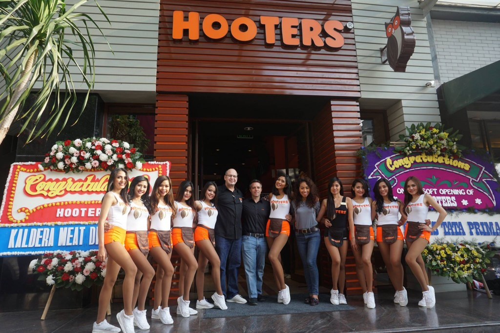 Hooters Indonesia