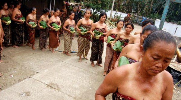 perlon unggahan tradisi jelang ramadhan di indonesia