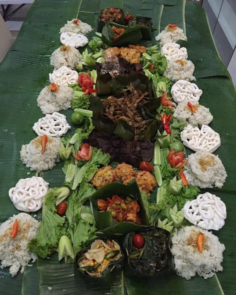 9 restoran yang menyajikan nasi liwet kekinian langsung di