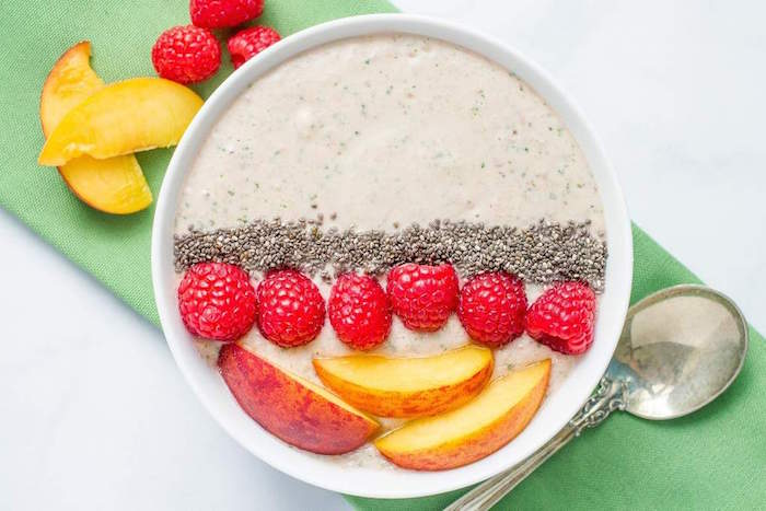 Peach-Raspberry Smoothie Bowl