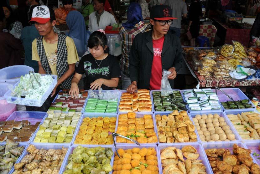 Pasar Benhil Takjil