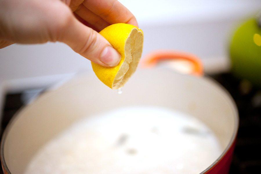 susu dan lemon meluruskan rambut