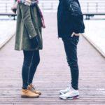 7 Hal Yang Harus Kamu Ketahui Kalau Pacaran dengan Cowok Introvert