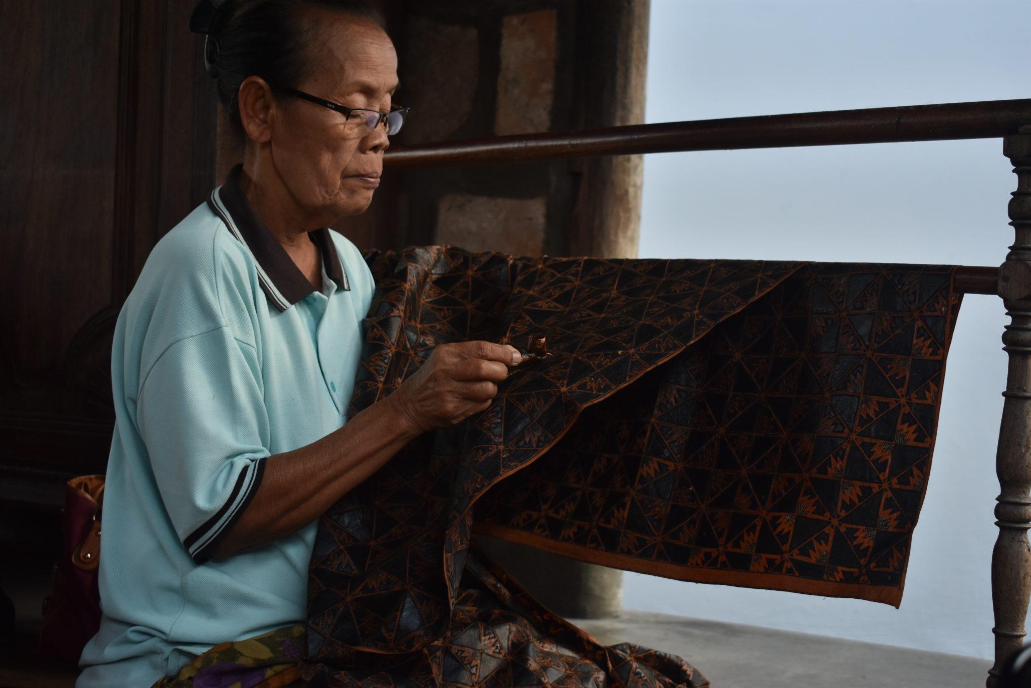 Kehebatan Baju Batik Indonesia yang Sudah Go Internasional!
