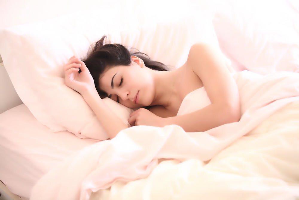 Ladies Ini Posisi Tidur Yang Baik Untuk Payudara Sehatmu