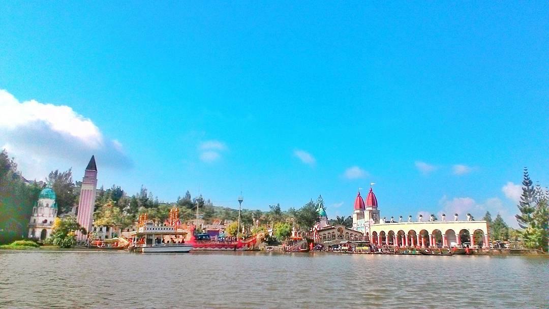 Weekend Nanti Kunjungi 11 Tempat Wisata Alam Di Jabodetabek Ini