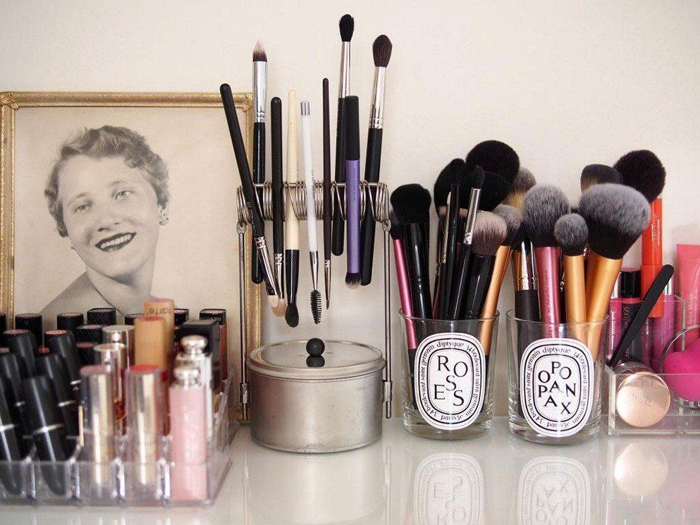 7 Cara Kreatif Menyimpan Alat Alat Makeup Yang Nggak Makan Tempat