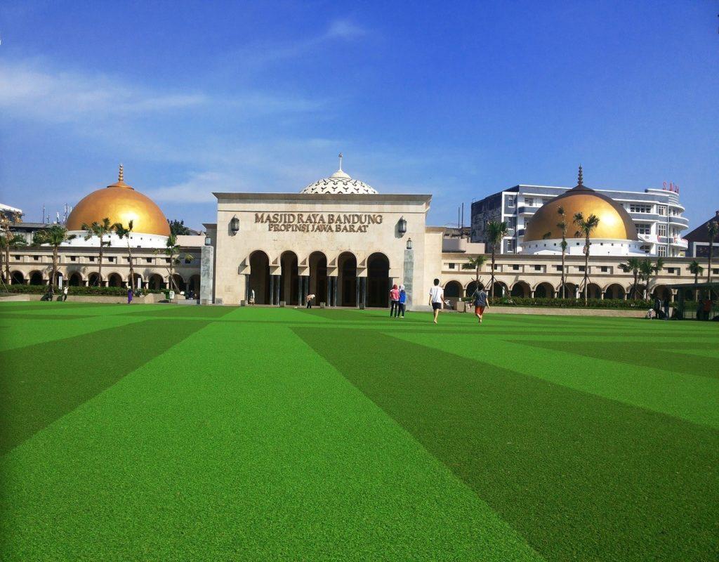 Taman alun-alun Bandung - Jalan-jalan ke Bandung
