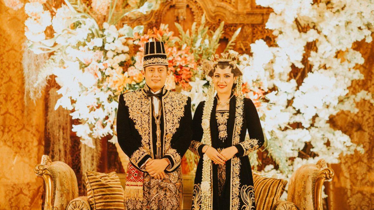 Ini 12 Prosesi Pernikahan Adat Jawa yang Wajib Ada di Tiap Pernikahan