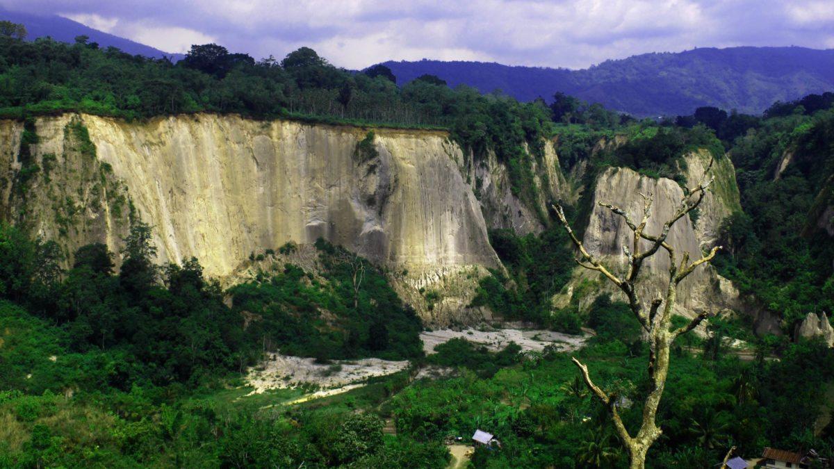 5 Tempat Wisata di Sumatera Barat dengan Keindahan Alamnya