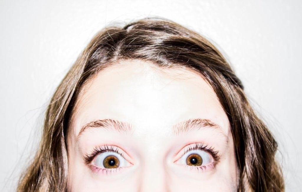 cara menilai seseorang dari mata
