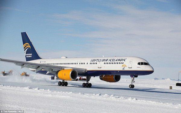 penerbangan ke antartika