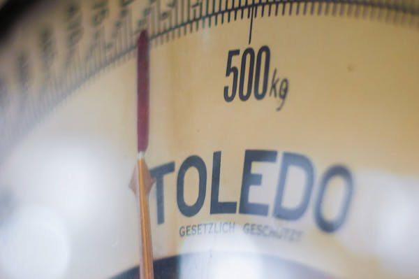 penyebab berat badan naik