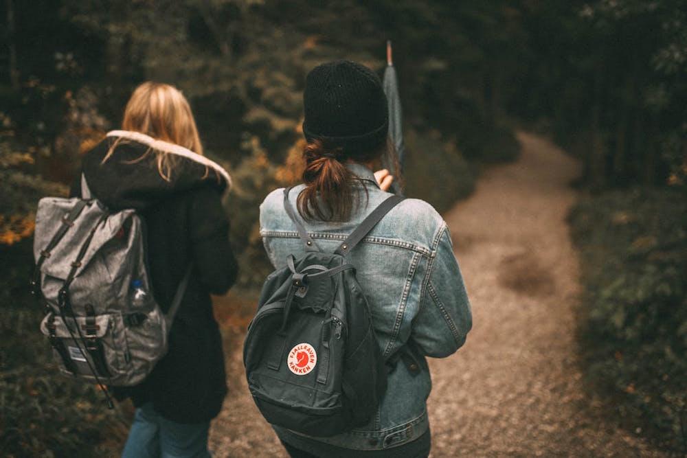 Ini Dia 5 Tips Menghadapi Temanmu yang Suka Pamer