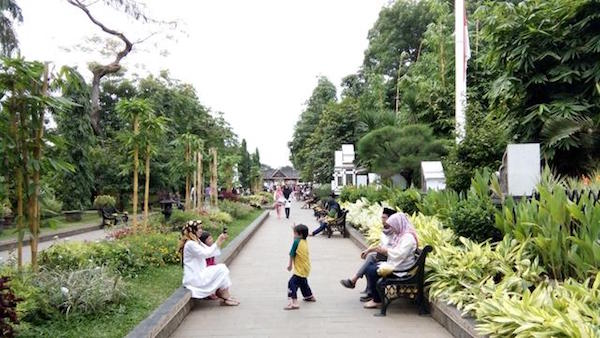 wisata alam taman batu kabupaten purwakarta jawa barat 26 Tempat Wisata Di Purwakarta Yang Hits Dan Wajib