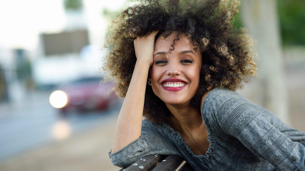 Punya Rambut Keriting? Ini 7 Cara Merawat Rambut Keriting yang Praktis