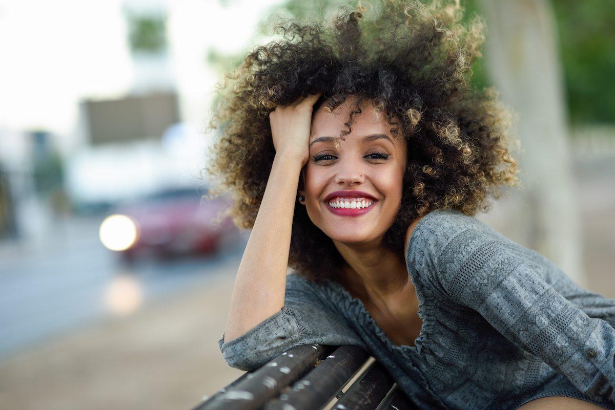 Punya Rambut Keriting  Ini 7 Cara Merawat Rambut Keriting yang Praktis 117335ab32