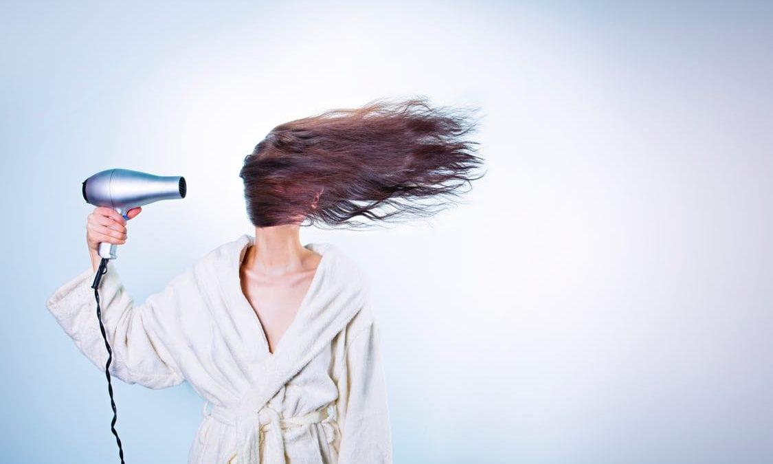 Kenali 20 Penyebab dan Cara Mengatasi Rambut Kering Berikut Ini!
