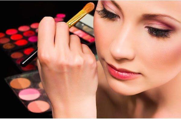 kesalahan dalam memakai make up