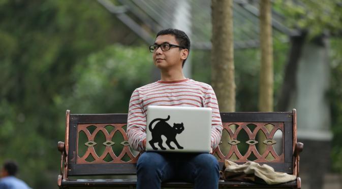 Penulis Indonesia -Raditya Dika
