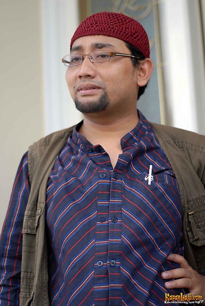Penulis Indonesia - Habiburrahman El Shirazy