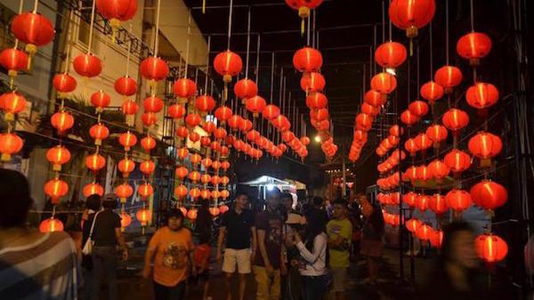 Pasar malam Imlek di Semawis