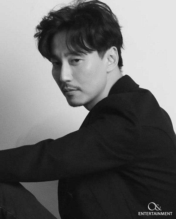 Artis korea tertampan