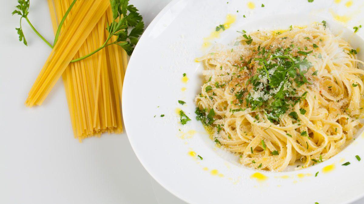 Resep Aglio O Lio Untuk Dinner Romantis, Yuk Beli Bahannya di Honestbee!
