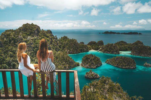 Selain Bali, Yuk Kunjungi 4 Destinasi Bahari Lain di Indonesia yang Tidak Kalah Menarik
