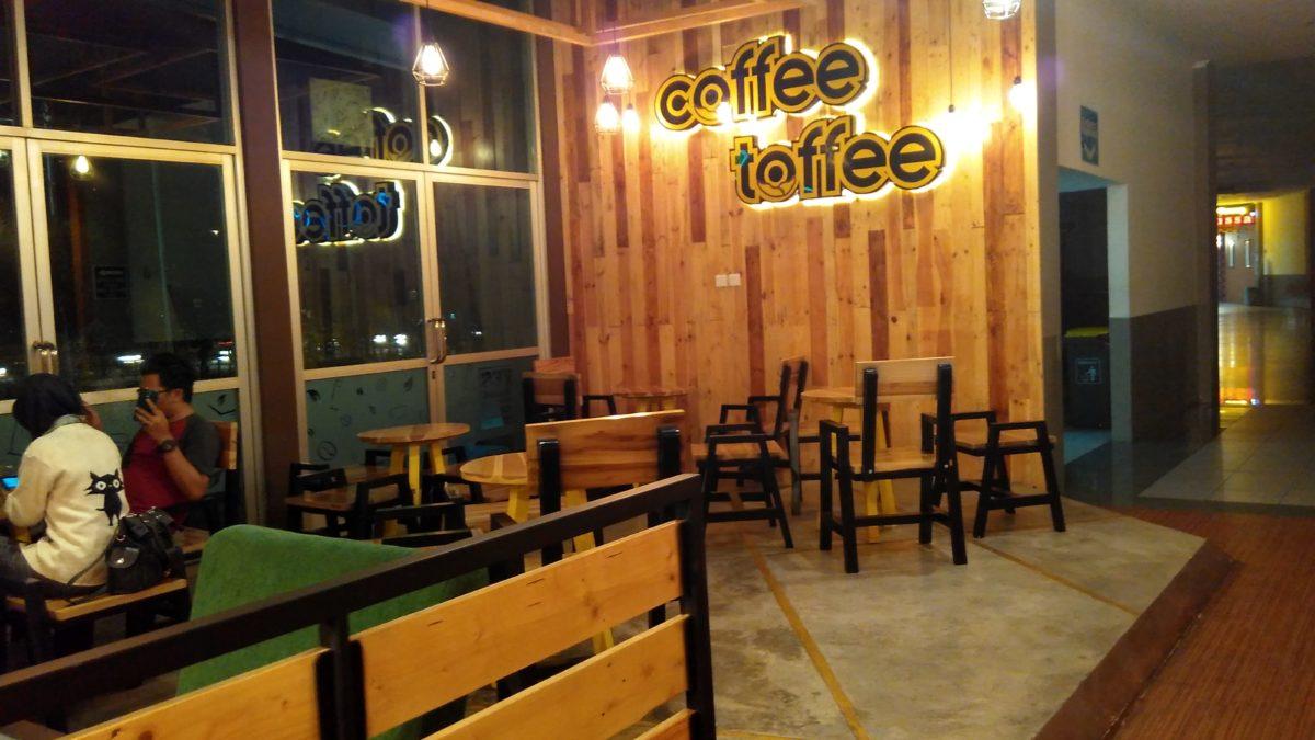 Lagi di Surabaya? Jangan Lupa Nongkrong Sambil Ngopi di Coffee Toffee, Ya!
