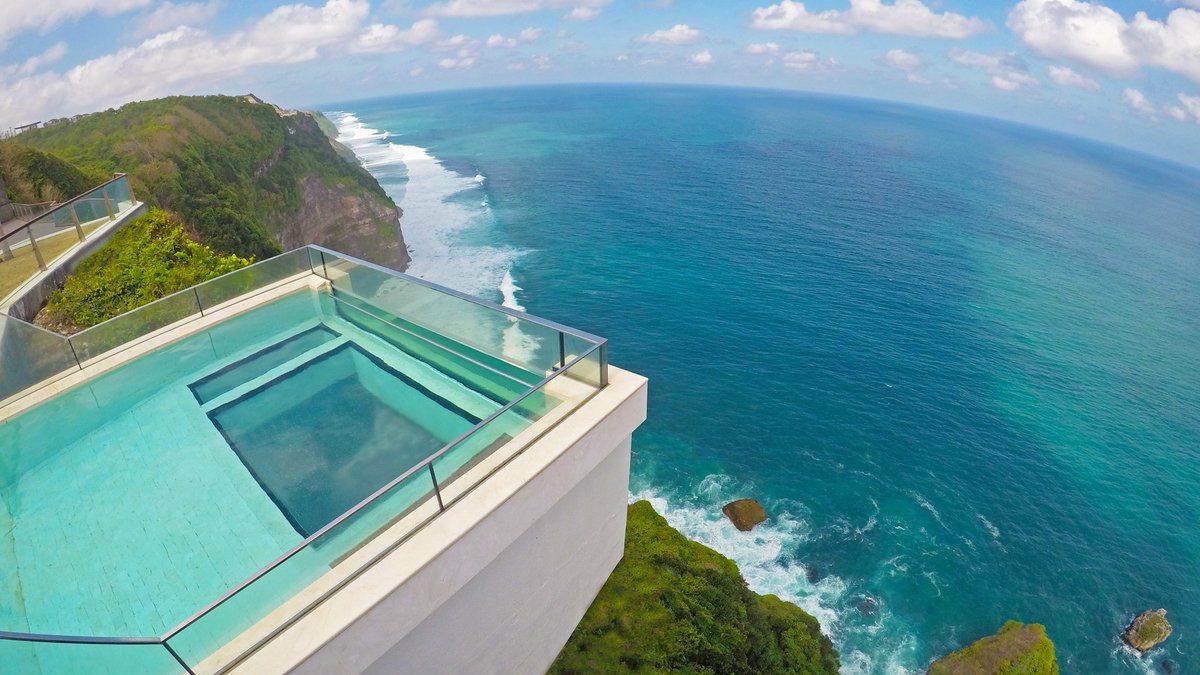 Yuk, Intip 10 Kolam Renang di Bali dengan Pemandangan yang Memanjakan Mata