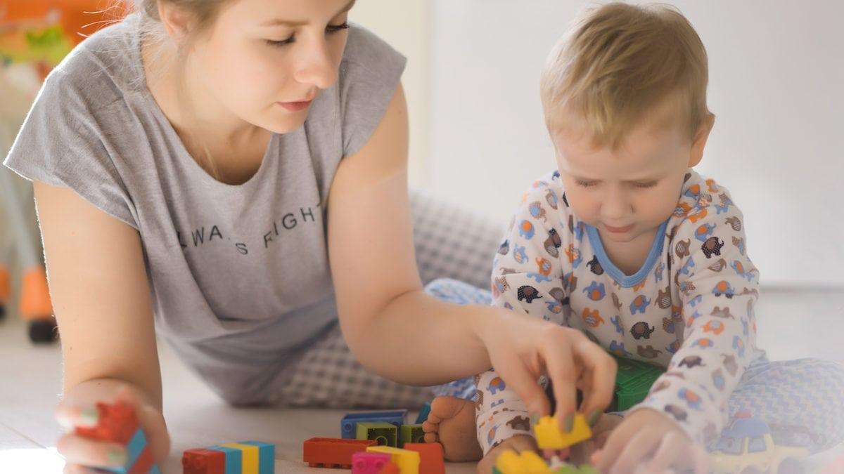 Si Kecil Minder? Cobalah 5 Cara Meningkatkan Rasa Percaya Diri Anak!