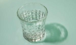 kumur dengan air garam