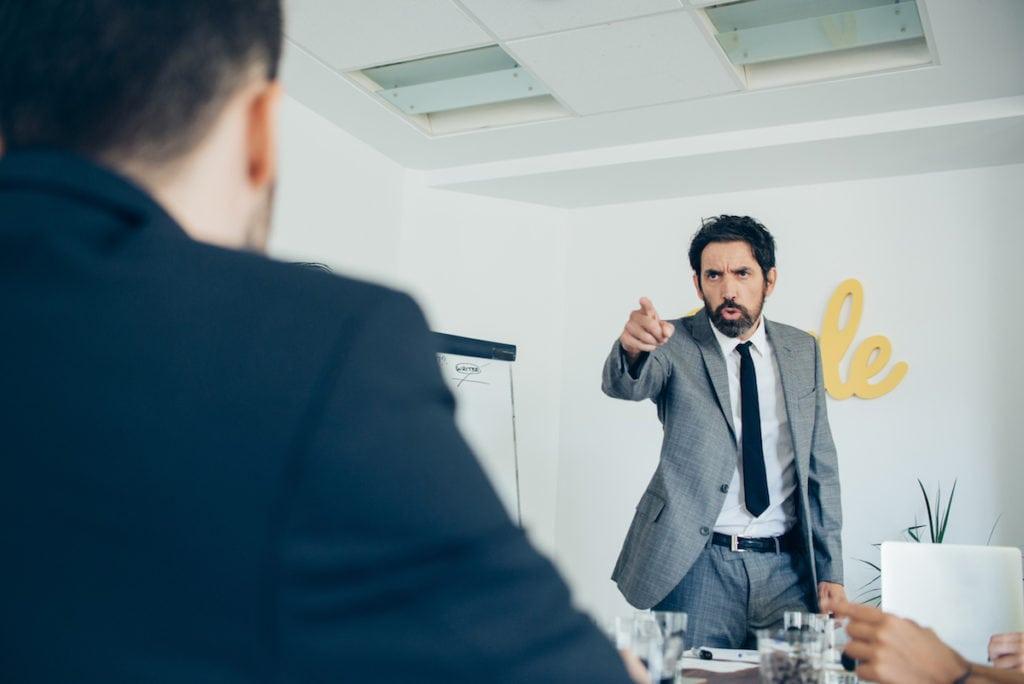 Cara Ampuh Bekerja dengan Teman Kerja yang Menyebalkan