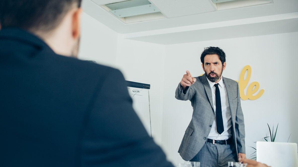 6 Cara Ampuh Bekerja dengan Teman Kerja yang Menyebalkan