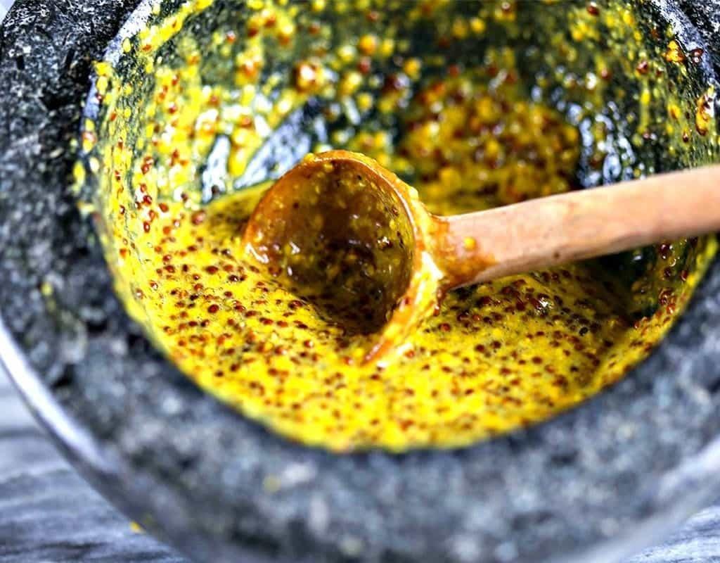 masket mustard yang populer