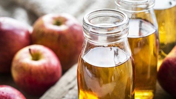 cara menghilangkan bau badan dengan cuka apel