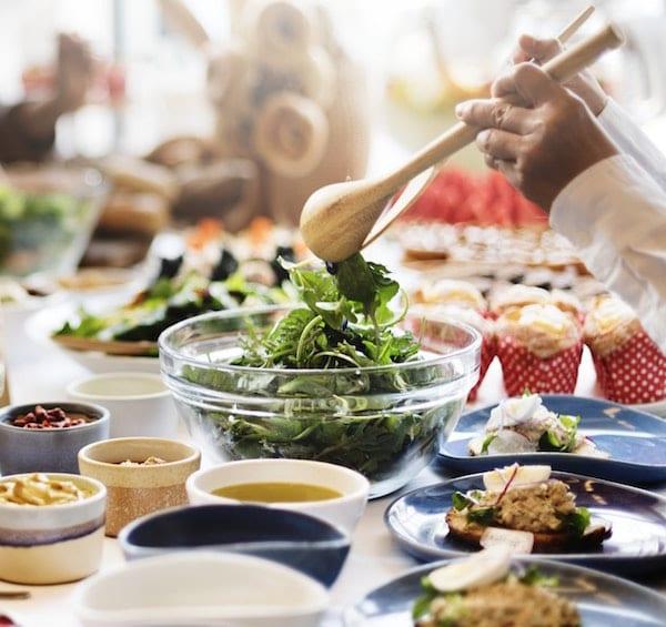 perbanyak makan sayuran untuk menghilangkan bau badan