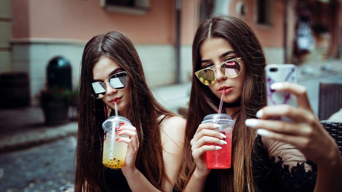 Kepo Sampai Cuek Ini 12 Tipe Pengguna Media Sosial Berdasarkan Zodiak