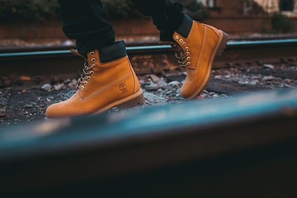 cara merawat sepatu bahan nubuck