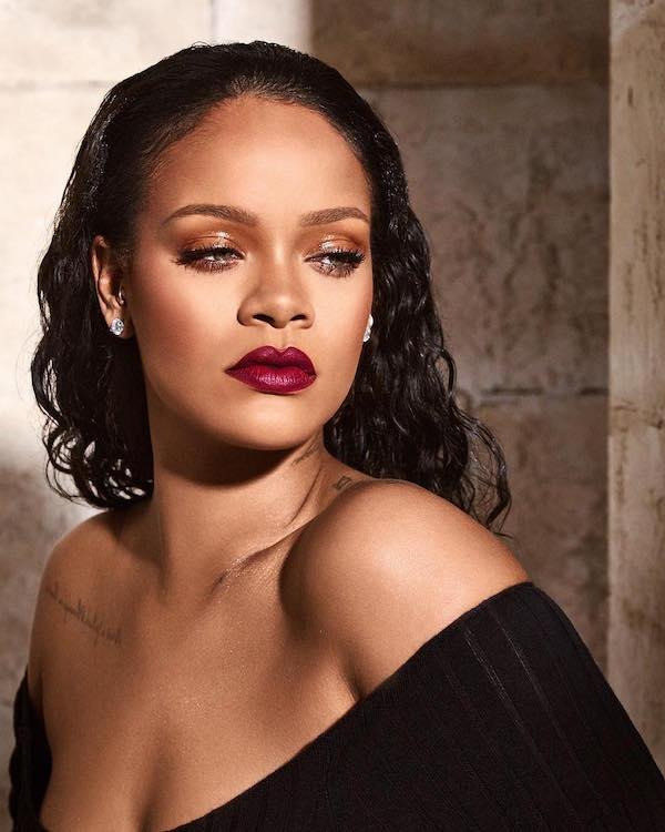 deep burgundy lipstik